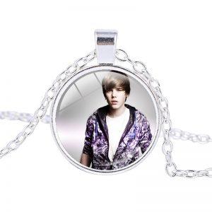 Justin Bieber – Necklace (mod13n)