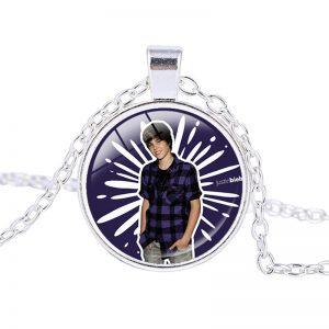 Justin Bieber – Necklace (mod17n)
