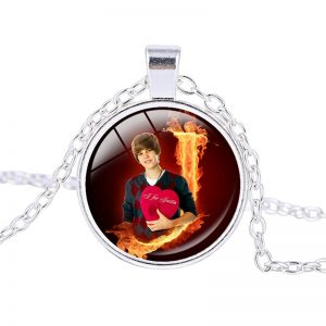 Justin Bieber – Necklace (mod3n)