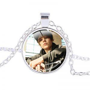 Justin Bieber – Necklace (mod4n)