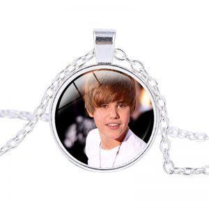 Justin Bieber – Necklace (mod5n)