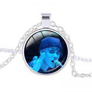 Justin Bieber – Necklace (mod9n)