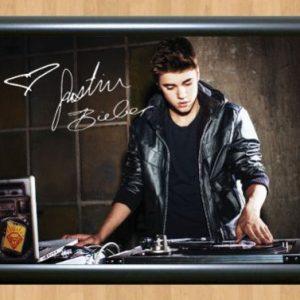 Justin Bieber – Autographed Photo -mod3