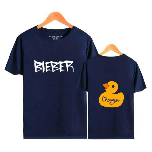 justin bieber changes t-shirt